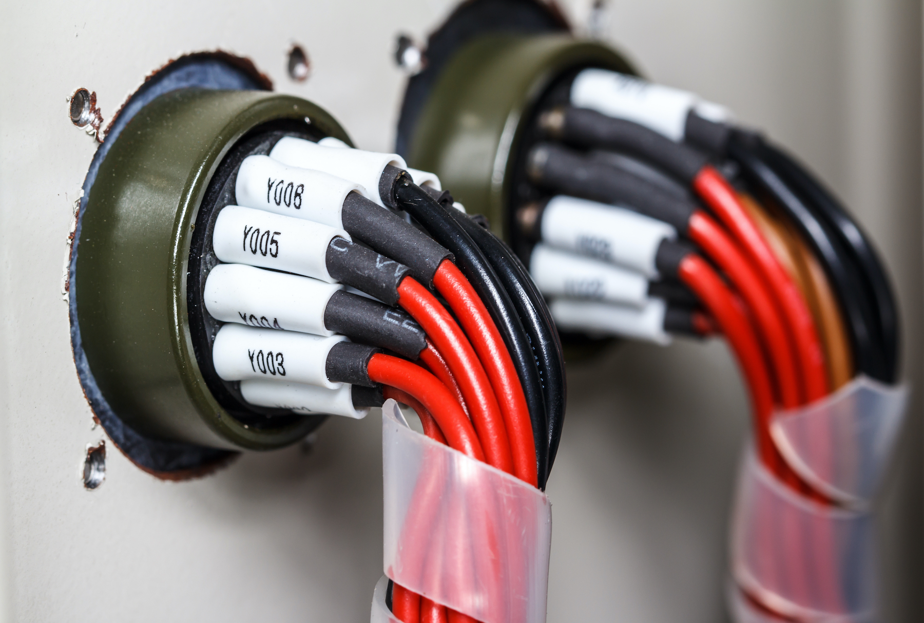 Industrial cable assembly with circuit labelling - Custom Cable Assemblies